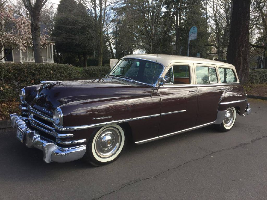1953 CHRYSLER TOWN AND COUNTR