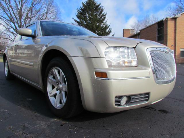 2006-CHRYSLER-300-TOURING-FOR-SALE-Akron-Ohio for sale at Akron Motorcars