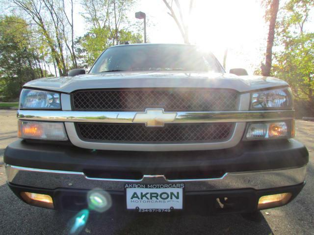 2004 CHEVROLET AVALANCHE 1500 in Akron