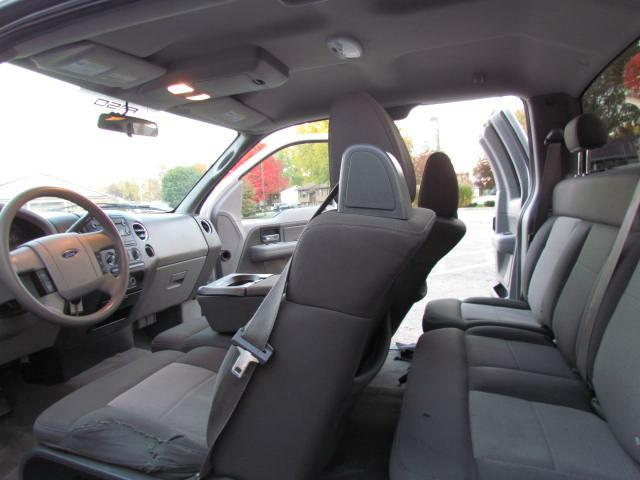 2006 FORD F150 XLT in Akron