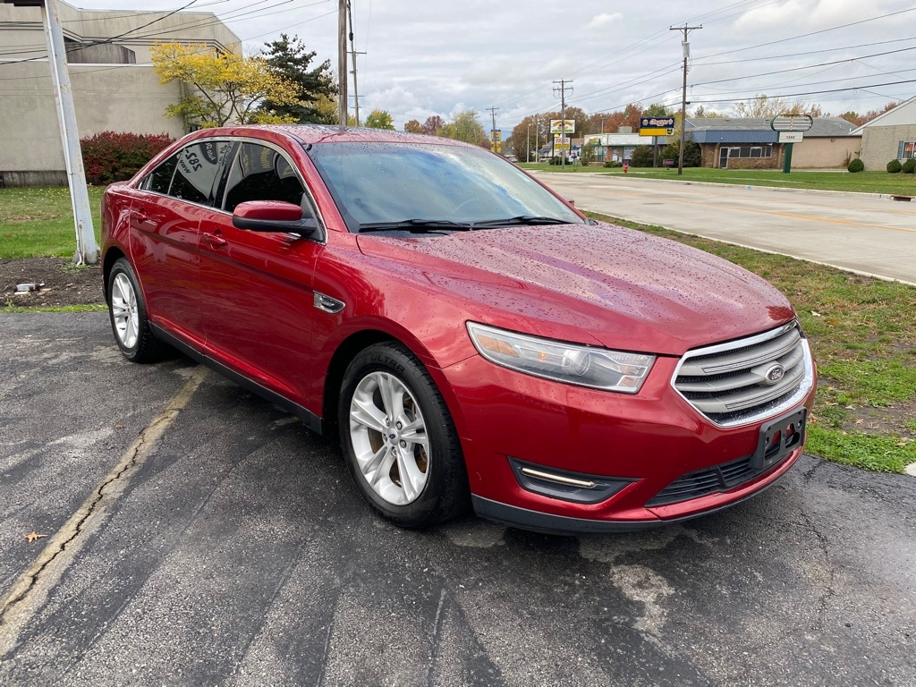 2013 FORD TAURUS SEL in Amherst