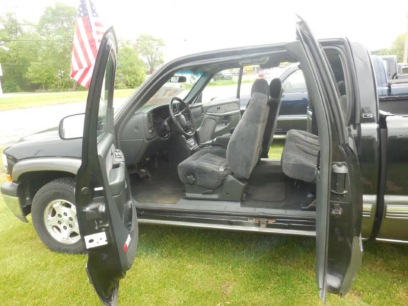 2000 CHEVROLET SILVERADO 1500  in Amherst