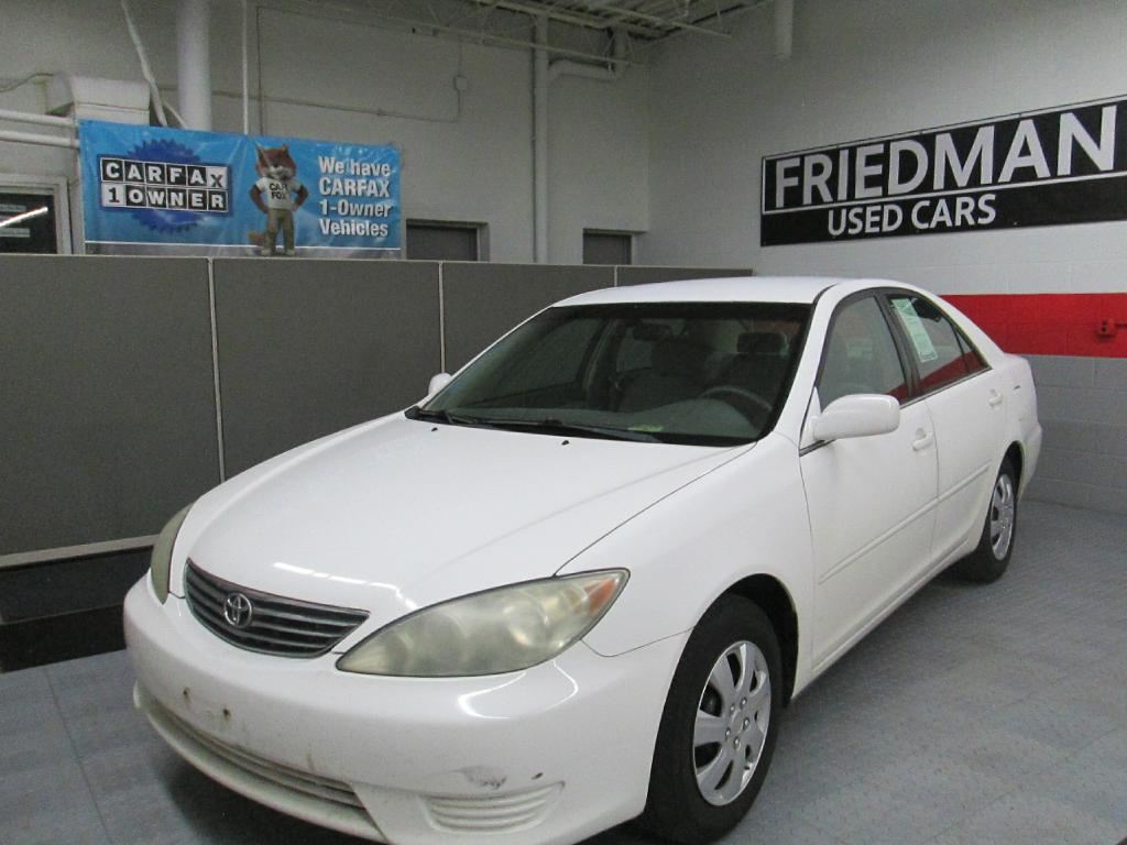 2005 TOYOTA CAMRY LE for sale at Friedman Used Cars