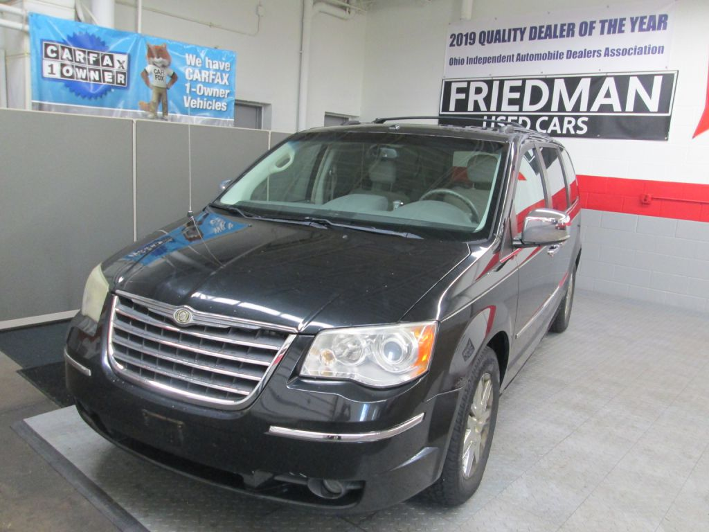 2008 CHRYSLER TOWN & COUNTRY LIMITED for sale at Friedman Used Cars