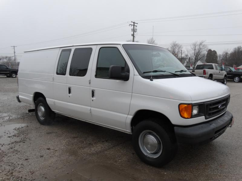 2005 ford econoline e350 super duty van for sale in medina oh southern select auto sales. Black Bedroom Furniture Sets. Home Design Ideas