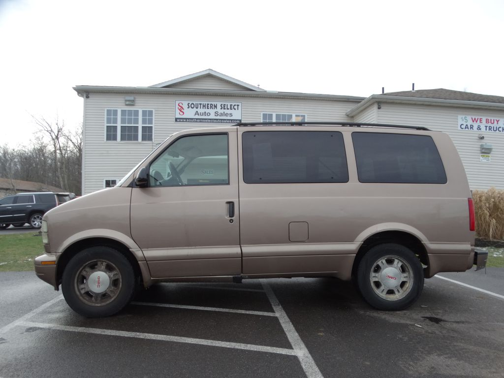 2004 GMC SAFARI XT