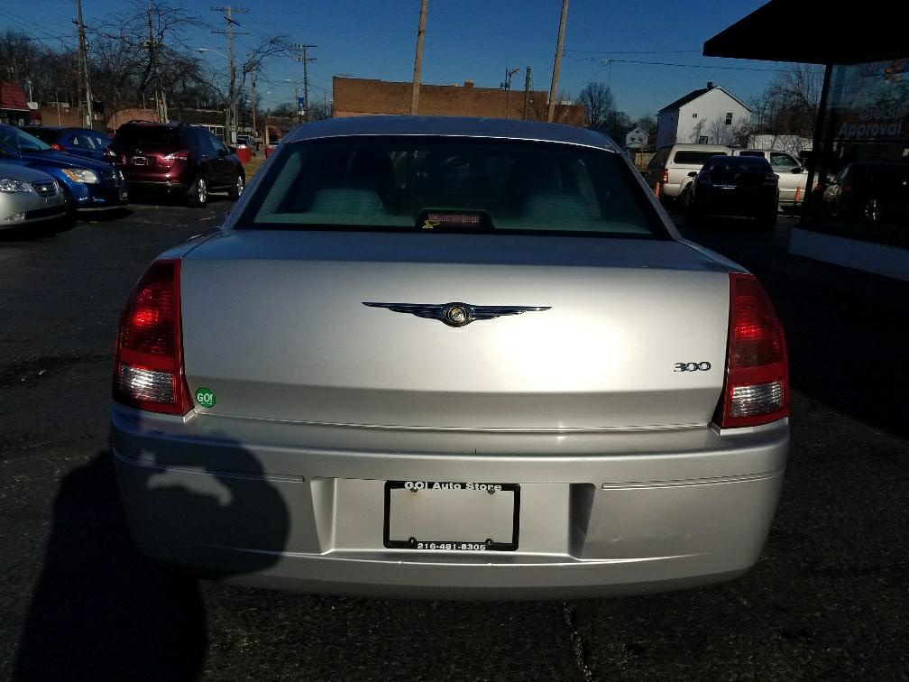 2006 CHRYSLER 300 *NO CREDIT SCORE REQUIRED* for sale at GO! Auto Store