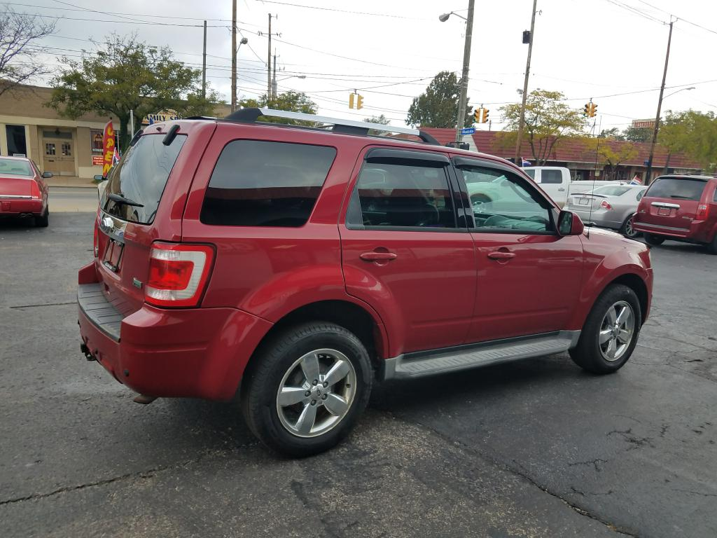 2010 FORD ESCAPE LIMITED for sale at GO! Auto Store