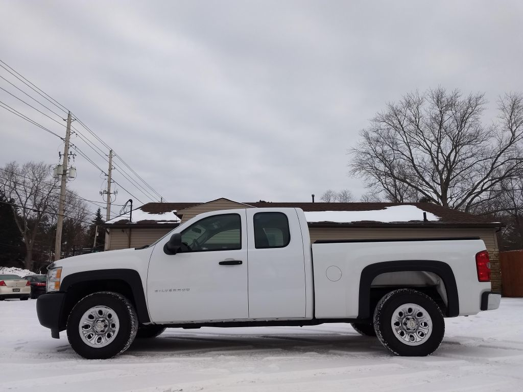 2011 CHEVROLET SILVERADO 1500 LS for sale at Stark Auto Sales