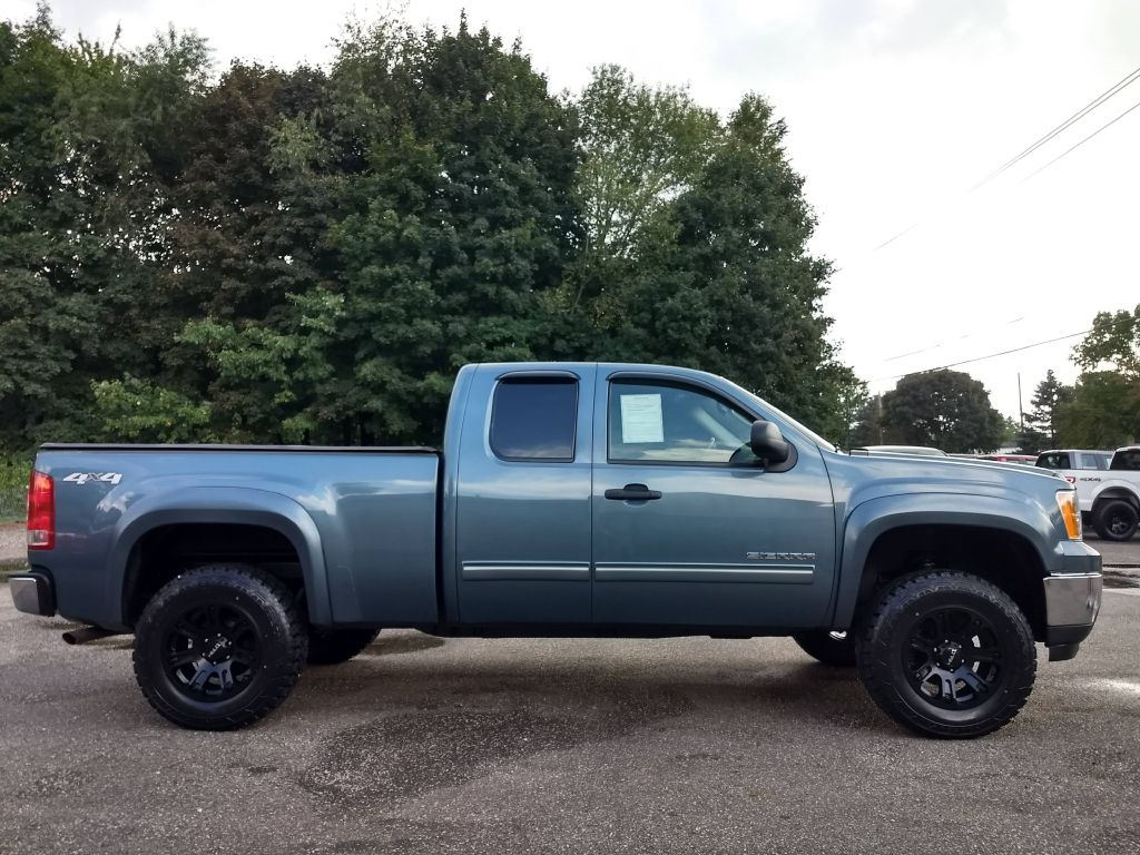2010 GMC SIERRA 1500 SLE for sale at Stark Auto Sales