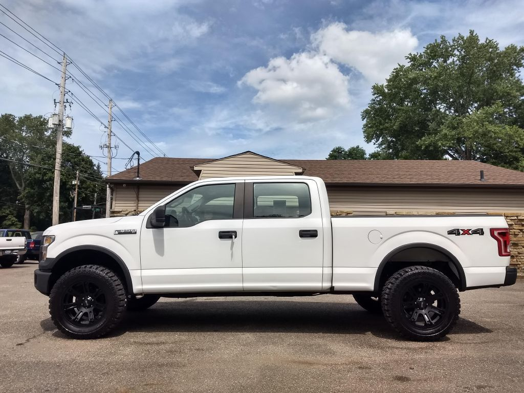 2015 FORD F150 SUPERCREW for sale at Stark Auto Sales
