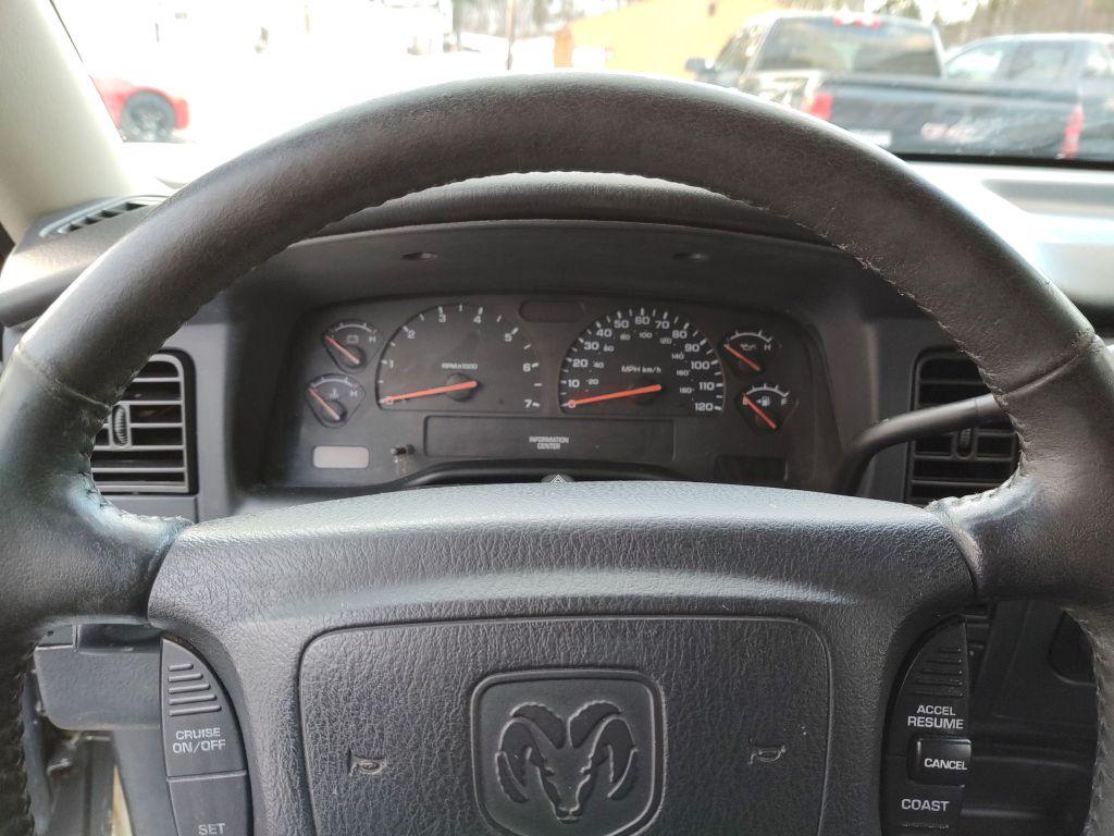 2004 DODGE DAKOTA QUAD SLT for sale at Stark Auto Sales