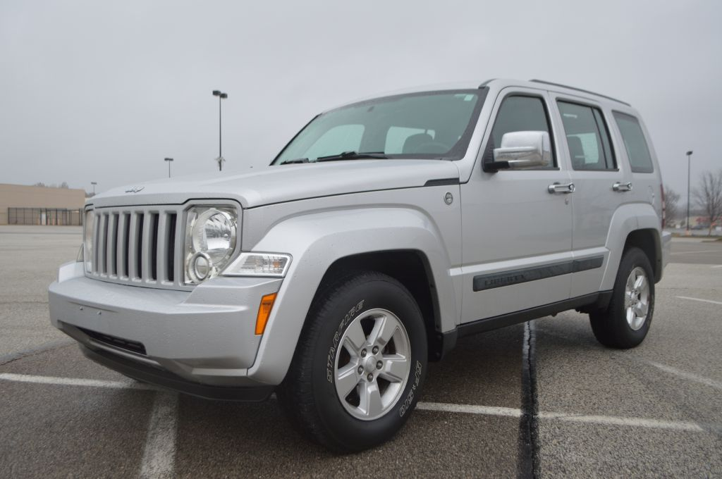 2008 JEEP LIBERTY SPORT for sale in Eastlake, Ohio