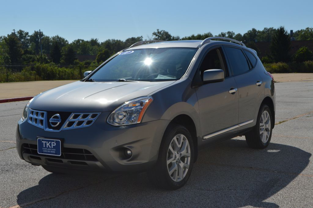 2011 NISSAN ROGUE SV for sale in Eastlake, Ohio