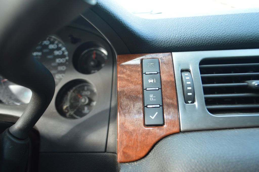 2007 GMC YUKON SLT for sale at TKP Auto Sales