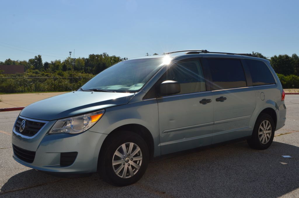 2009 VOLKSWAGEN ROUTAN for sale at TKP Auto Sales