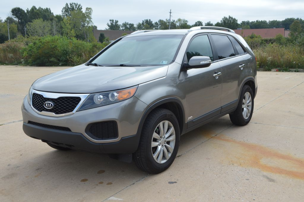 2011 KIA SORENTO BASE for sale in Eastlake, Ohio