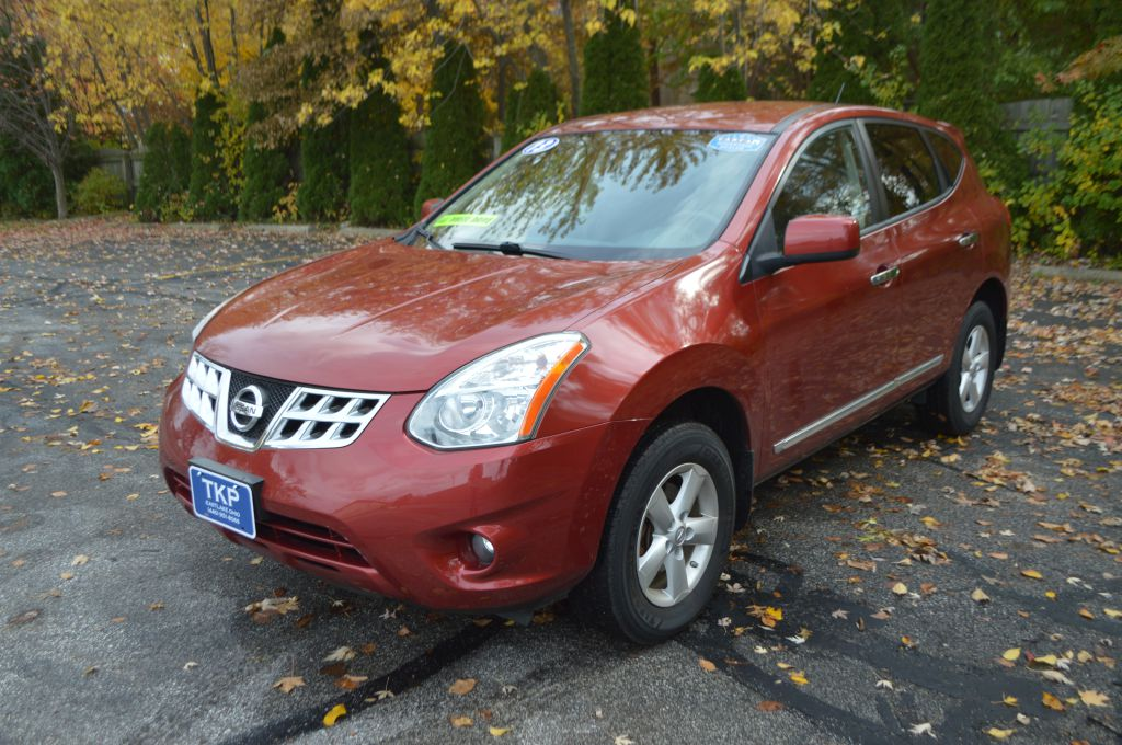 2013 NISSAN ROGUE S for sale in Eastlake, Ohio