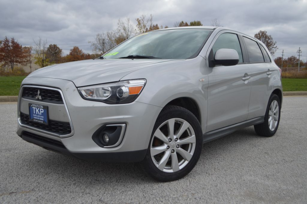 2015 MITSUBISHI OUTLANDER SPORT ES for sale in Eastlake, Ohio