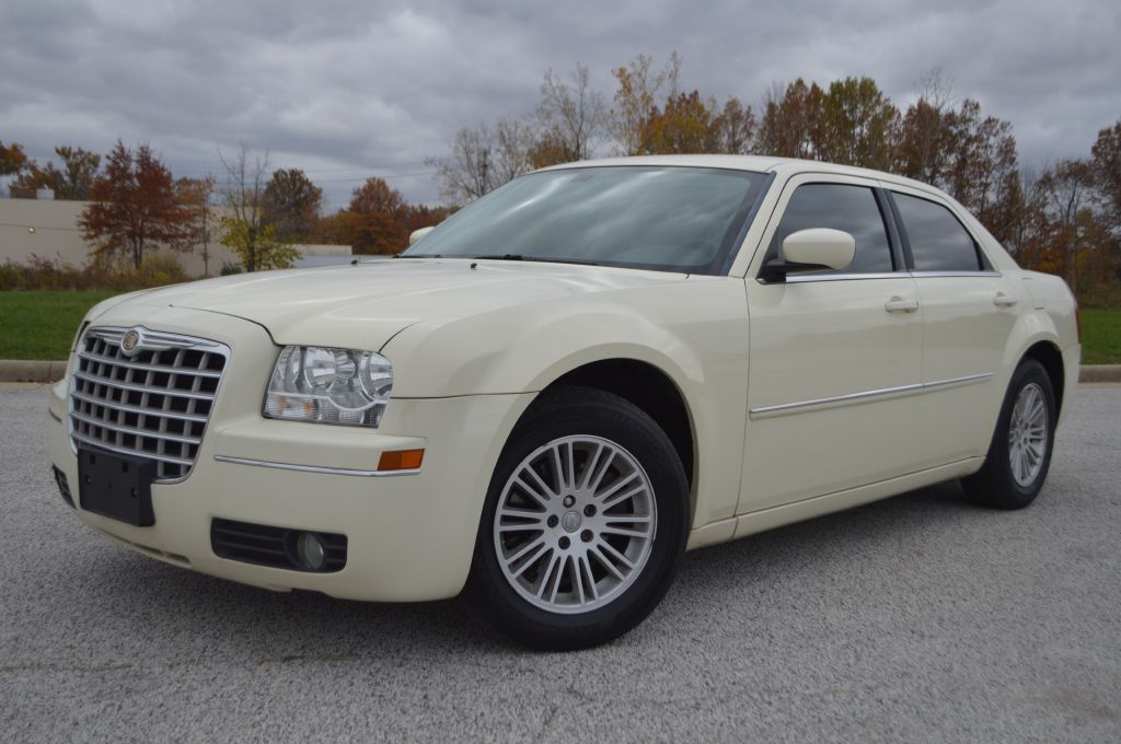 2009 CHRYSLER 300 for sale at TKP Auto Sales