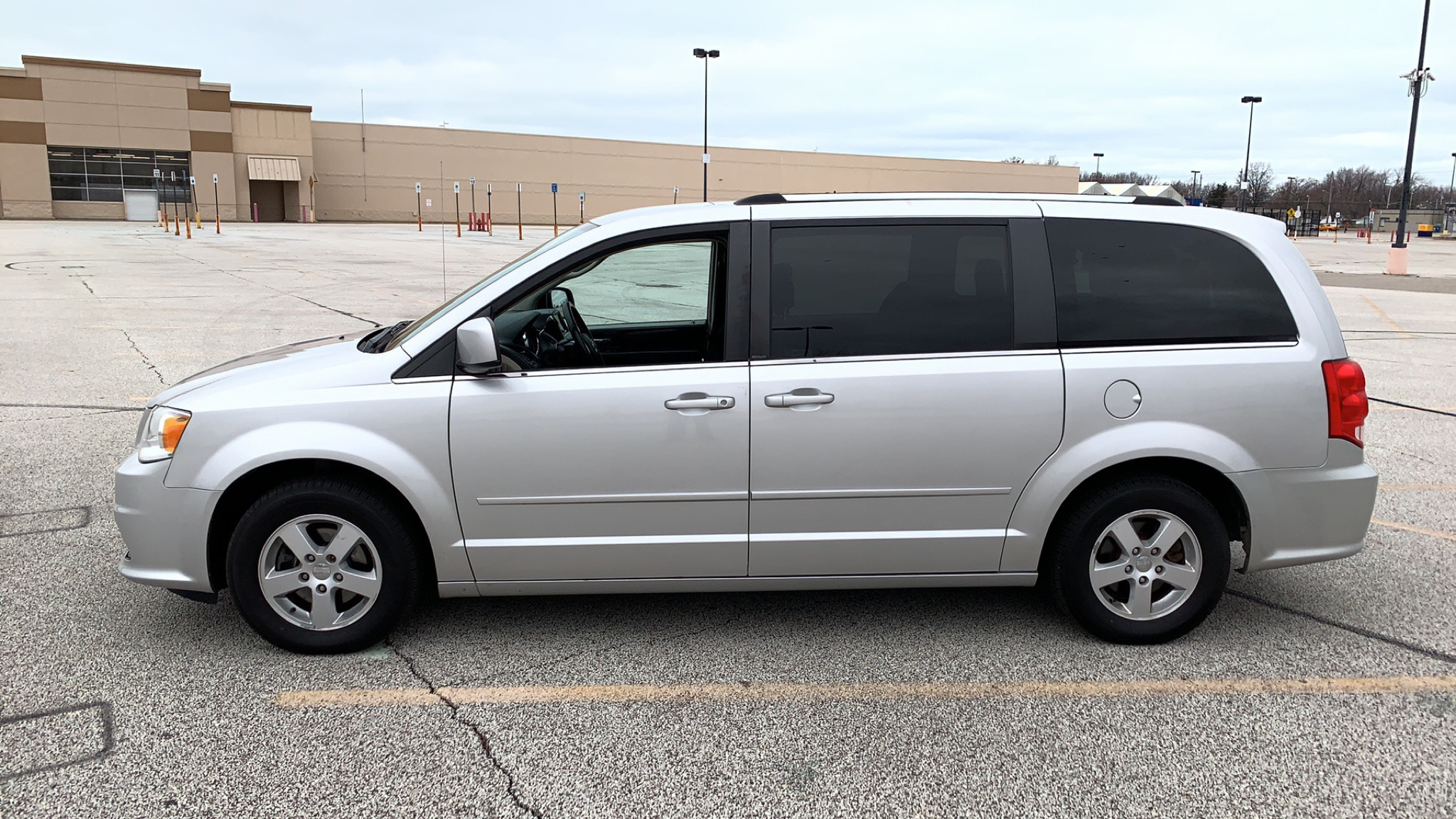 2011 DODGE GRAND CARAVAN CREW for sale at TKP Auto Sales
