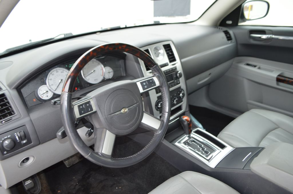 2007 CHRYSLER 300C  for sale at TKP Auto Sales