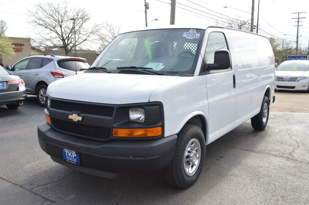 2010 CHEVROLET EXPRESS G2500  for sale in Eastlake, Ohio