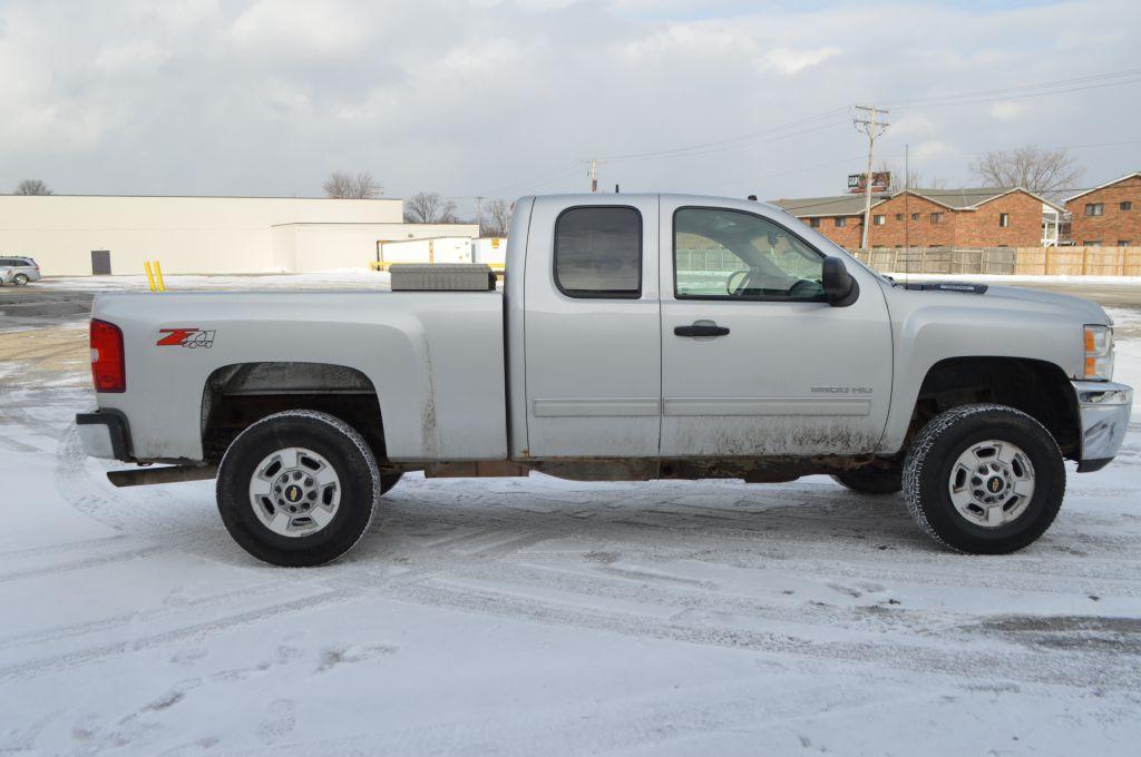 2011 CHEVROLET SILVERADO 2500  HEAVY DUTY LT for sale at TKP Auto Sales