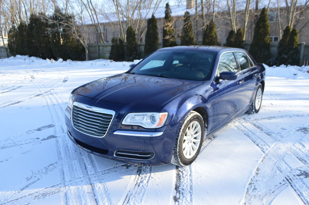 2014 CHRYSLER 300  for sale in Eastlake, Ohio