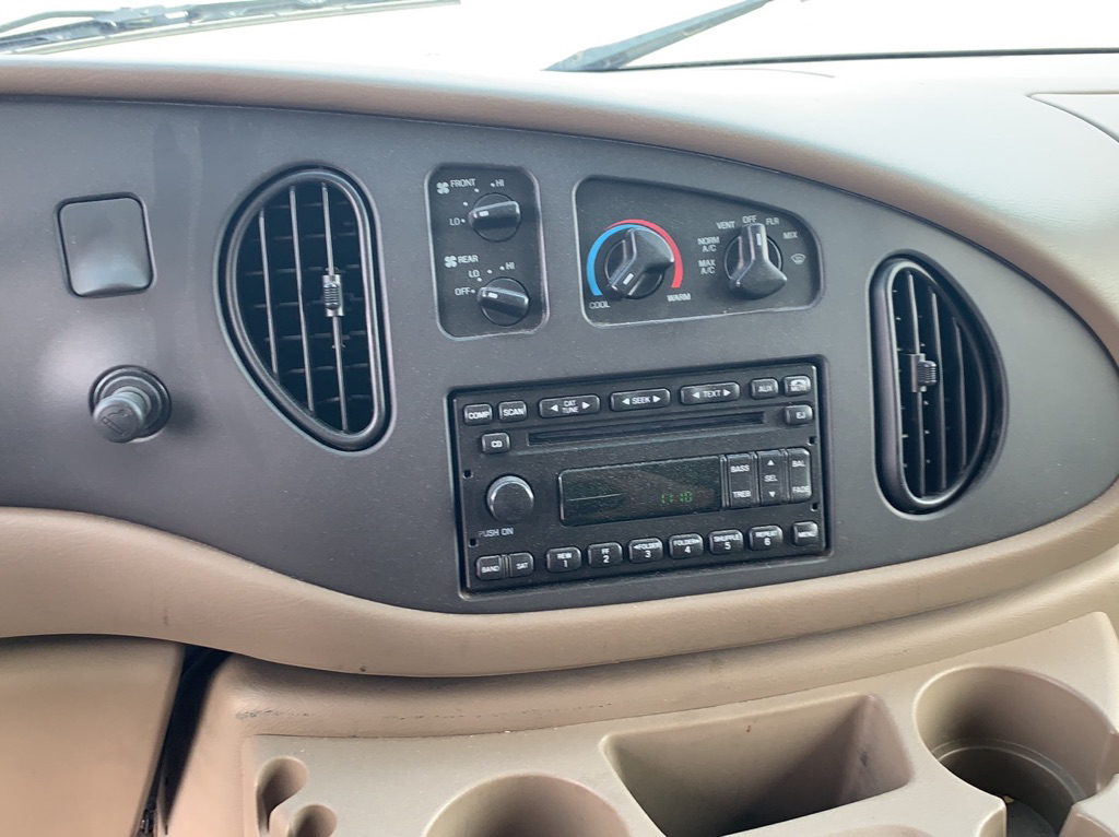 2006 FORD ECONOLINE E350 SUPER DUTY WAGON for sale at TKP Auto Sales