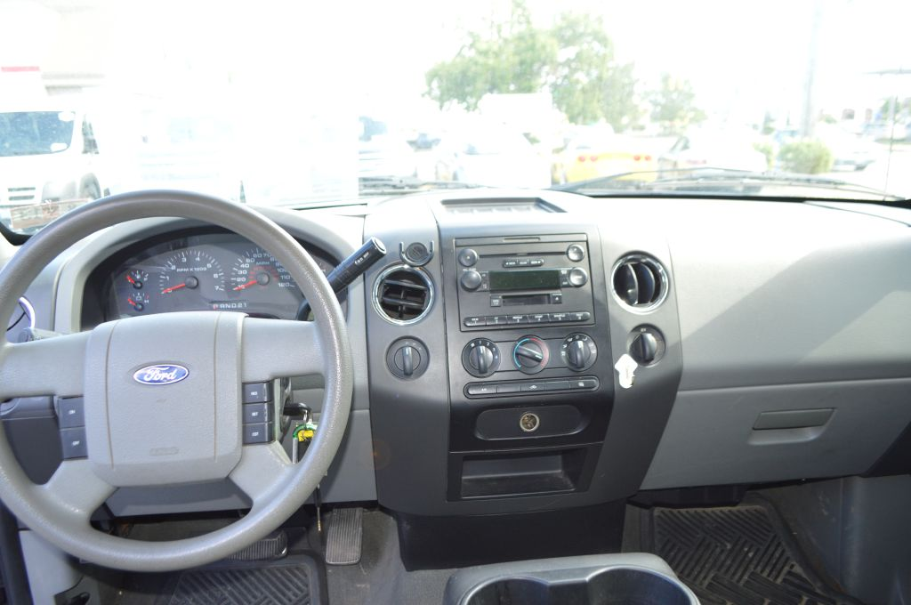 2006 FORD F150 XLT for sale at TKP Auto Sales