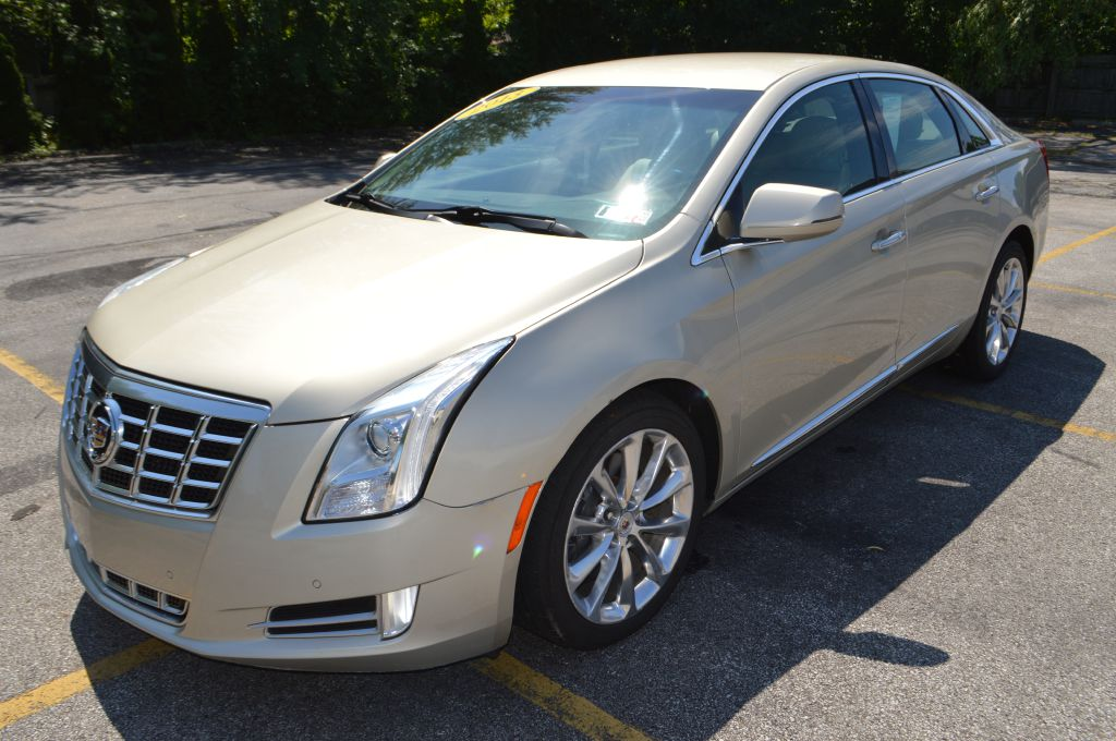 2013 CADILLAC XTS LUXURY COLLECTION for sale in Eastlake, Ohio