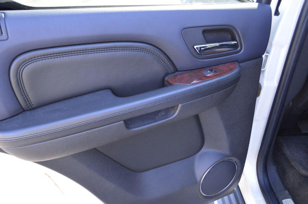 2008 CADILLAC ESCALADE LUXURY for sale at TKP Auto Sales