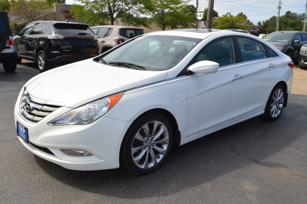 2011 HYUNDAI SONATA SE for sale in Eastlake, Ohio