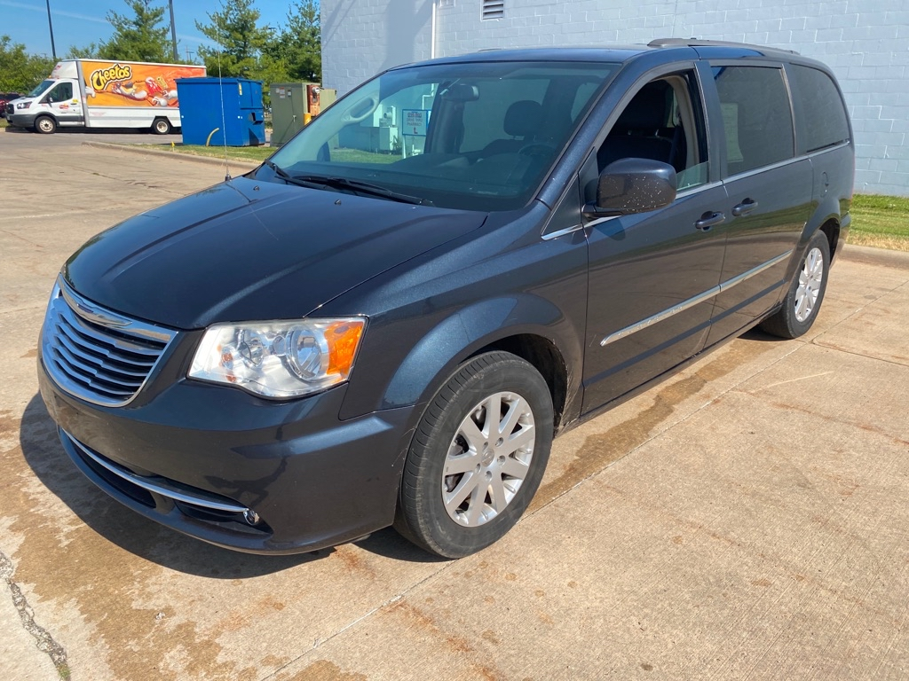 2014 CHRYSLER TOWN & COUNTRY TOURING for sale in Eastlake, Ohio