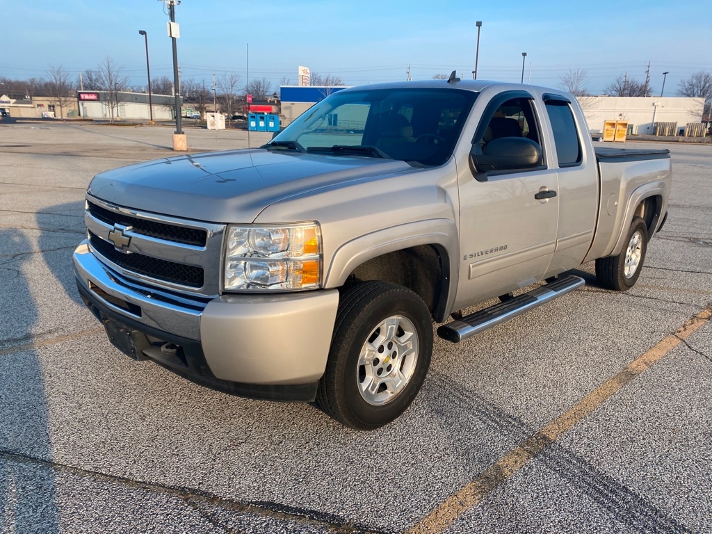 2009 CHEVROLET SILVERADO 1500 LT for sale in Eastlake, Ohio