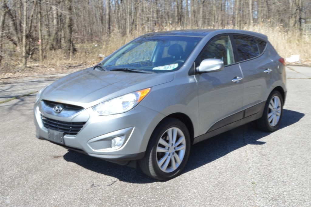 2013 HYUNDAI TUCSON for sale at TKP Auto Sales