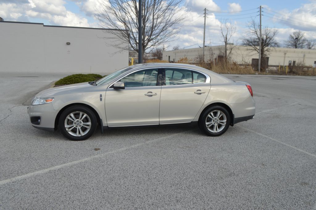 2009 LINCOLN MKS  for sale in Eastlake, Ohio