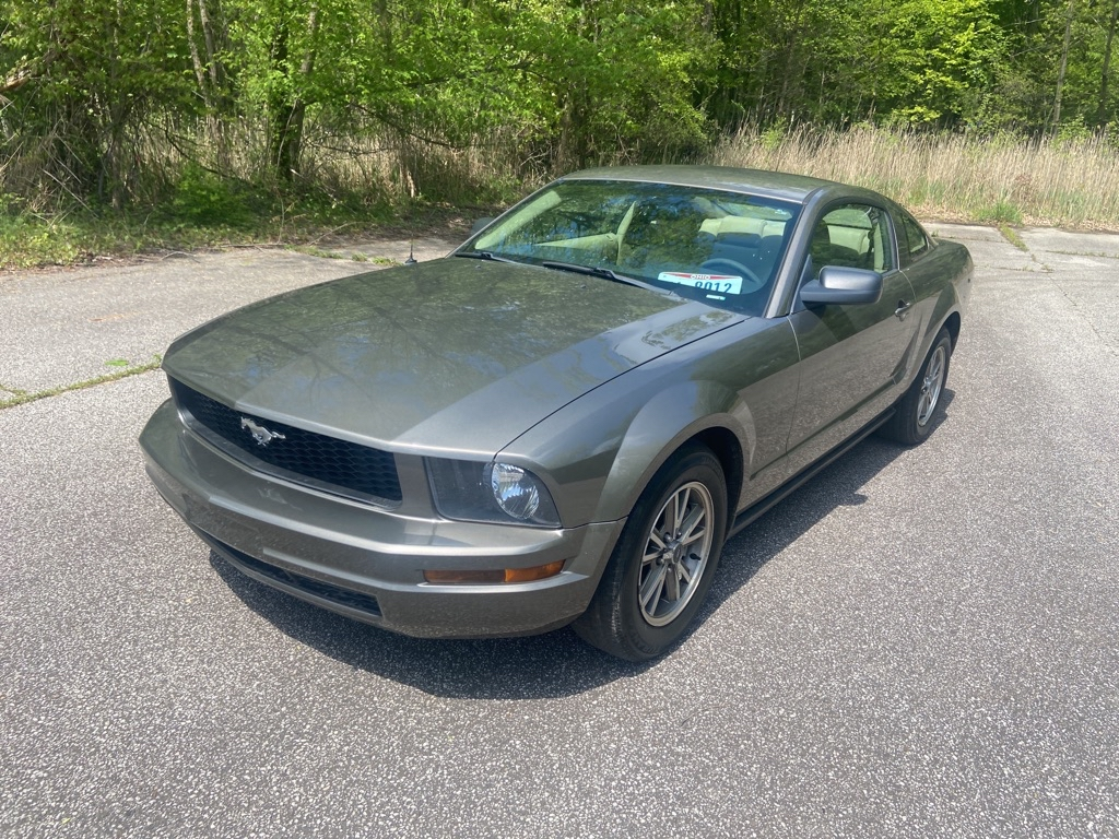 2005 FORD MUSTANG for sale at TKP Auto Sales