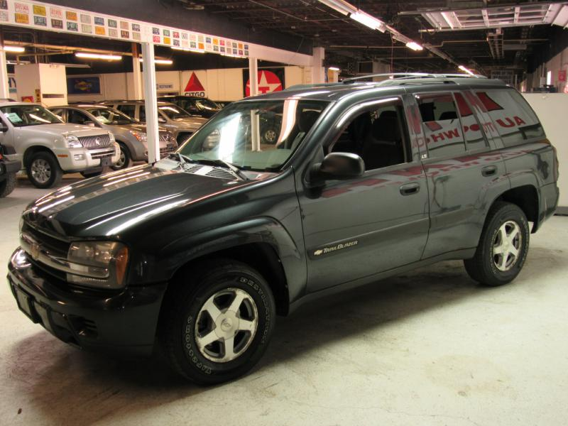 2004 CHEVROLET TRAILBLAZER LS for sale at KNH Auto Sales