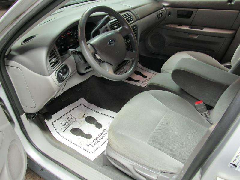 2007 FORD TAURUS SE for sale at KNH Auto Sales