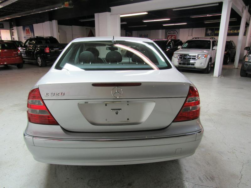 2005 MERCEDES-BENZ E-CLASS E320 for sale at KNH Auto Sales