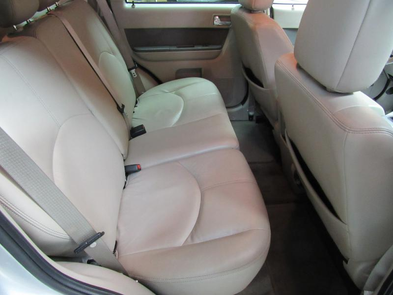 2009 MERCURY MARINER HYBRID for sale at KNH Auto Sales