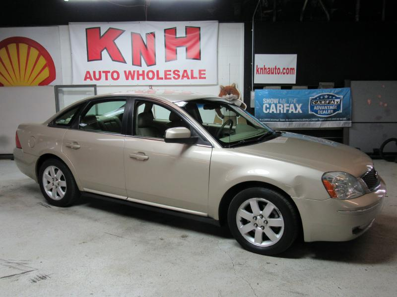 2006 FORD FIVE HUNDRED SEL for sale at KNH Auto Sales
