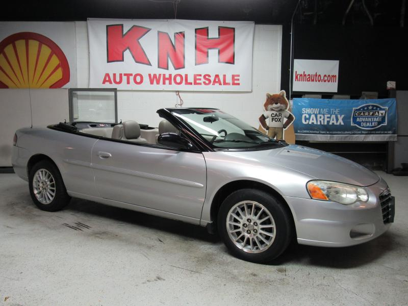 2005 CHRYSLER SEBRING TOURING for sale at KNH Auto Sales