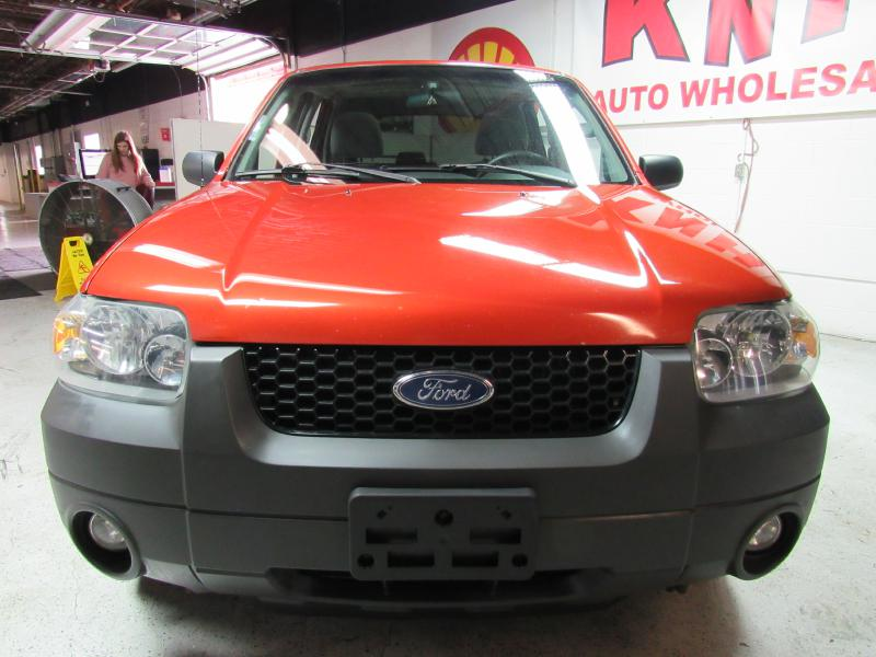 2007 FORD ESCAPE XLT for sale at KNH Auto Sales