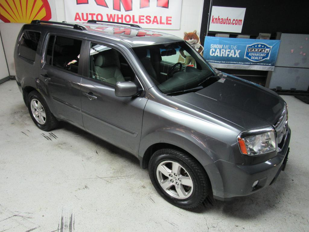 2011 HONDA PILOT EXL for sale at KNH Auto Sales