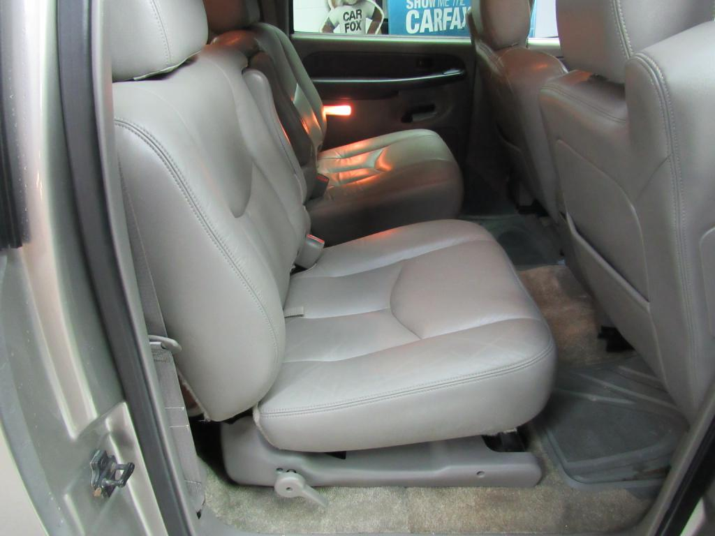 2003 GMC YUKON XL 1500 for sale at KNH Auto Sales