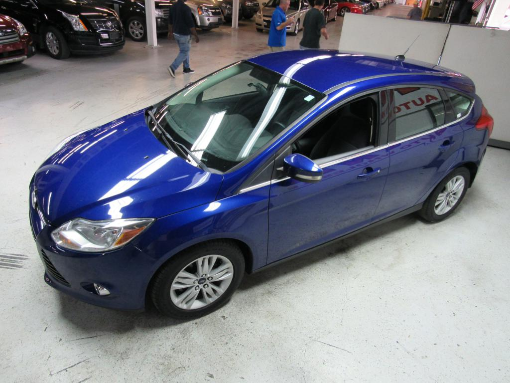 2012 FORD FOCUS SEL for sale at KNH Auto Sales