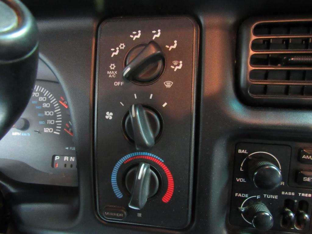 2001 DODGE RAM 1500  for sale at KNH Auto Sales